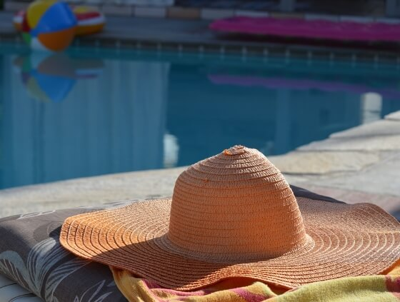 sun-hat-the-holiday-travel-shop