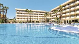 Cheap Holidays to H10 Cambrils Playa