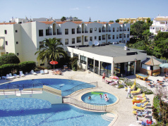 Cheap Holidays to Alvorferias Club Apartments